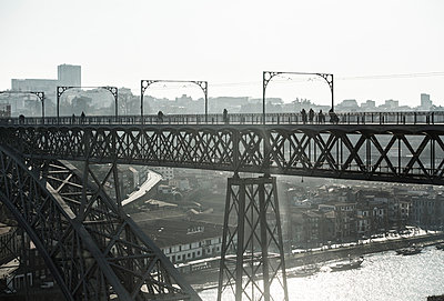 Portugal, Porto, Bridge Ponte Dom Luis I - p300m998483f by Sebastian Kanzler
