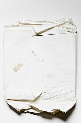 Zerrissene Packung - p982m2004807 von Thomas Herrmann