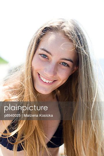 Mädchen im Bikini - p8940025 von Marzena Kosicka