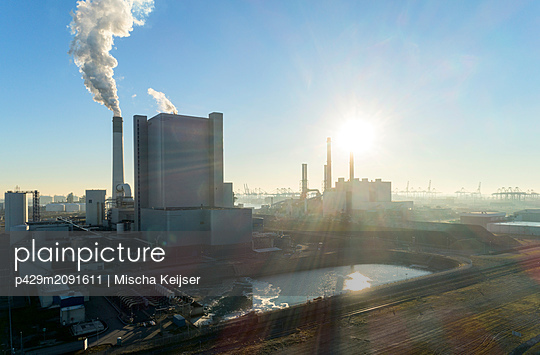 Coal fired power stations, Maasvlakte, Rotterdam, Zuid-Holland, Netherlands - p429m2091611 by Mischa Keijser