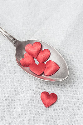 Hearts on spoon - p971m1222610 by Reilika Landen