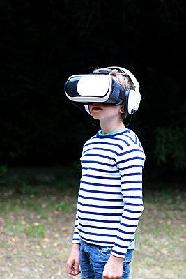 VR-Brille - p879m1184914 von nico