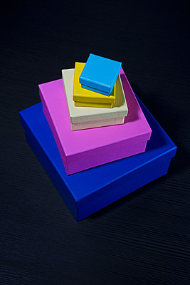 Coloured boxes - p1149m2021140 by Yvonne Röder