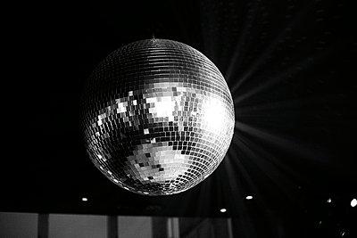 Mirror Ball in Nightclub, New York City, USA - p694m663781 by Maria K