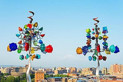 Eurasia, Caucasus region, Armenia, Yerevan, art exhibitions at the Cascade, Wind chime sculpture - p652m1058693 by Christian Kober