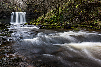 Sgwd yr Eira waterfall, Pontneddfechan, Waterfall country, Brecon Beacons, Powys, Wales, United Kingdom - p871m2113675 by Bill Ward
