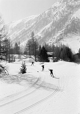Long distance skier Chamonix France. - p31221645f by Per Eriksson