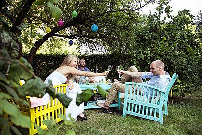 Gartenparty - p788m823789 von Lisa Krechting