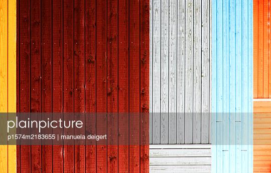 Bunte Holzlatten - p1574m2183655 von manuela deigert