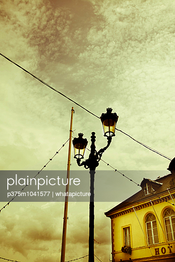Lantern - p375m1041577 by whatapicture