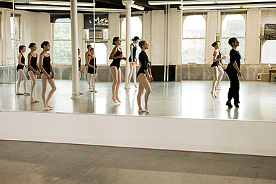 Reflection of ballet class - p9245505f by Image Source