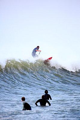 Surfer - p179m1004770 von Roland Schneider