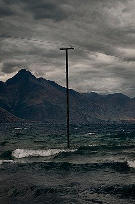 Lake Wakatipu – Neuseeland - p470m1539057 von Ingrid Michel