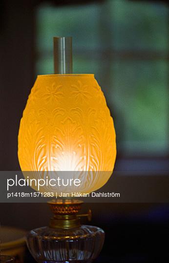 Petroleumlampe - p1418m1571283 von Jan Håkan Dahlström