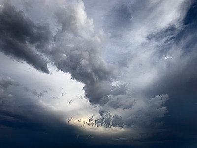 Thunder storm clouds over Arizona, USA - p1048m2025448 by Mark Wagner
