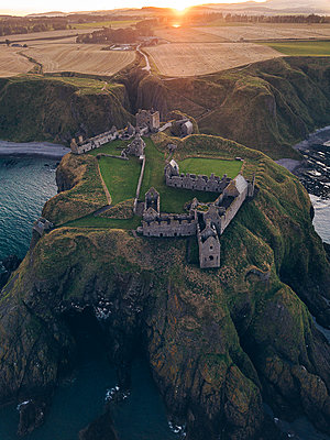 Dunnottar Castle - p1455m2204413 by Ingmar Wein