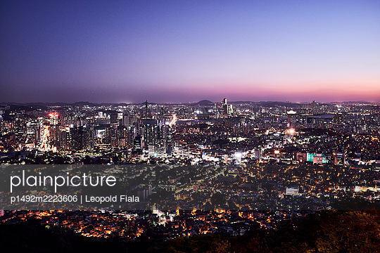 Korea, Seoul - p1492m2223606 by Leopold Fiala