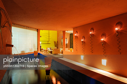 Entrance to a Hotel Spa - p555m1302719 by Spaces Images