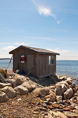 Hütte am Meer - p470m1059344 von Ingrid Michel