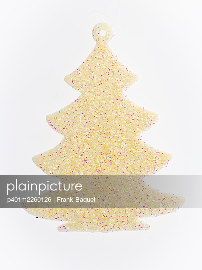 Christmas tree - p401m2260126 by Frank Baquet