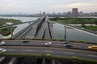 Traffic on elevated highways, Taipei, Taiwan, China - p429m974636 by Jasper James