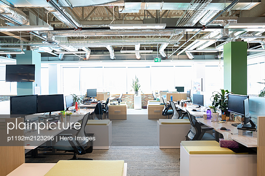 Open plan modern office interior - p1192m2123296 by Hero Images