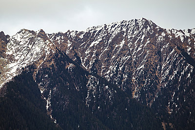 Snow covered mountains - p1396m2126786 by Hartmann + Beese