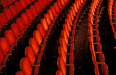 Theatre seats - p0190206 by Hartmut Gerbsch