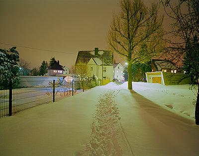 Durch den Schnee - p362m1541455 von André Wagner