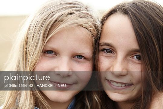 Freundinnen - p1348m1564142 von HANDKE + NEU