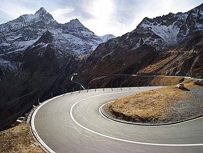 Schweiz Straße X - p1217m1170152 von Andreas Koslowski