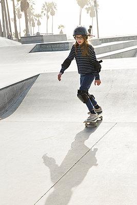 Skatepark in Venice Beach - p756m2087313 by Bénédicte Lassalle