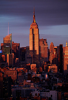 View of Empire State Building - p312m742578f by Susanna Blåvarg