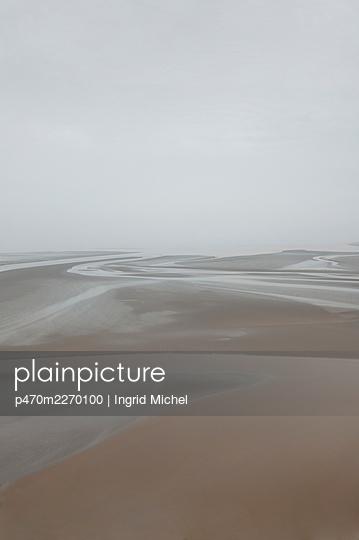 Low tide - p470m2270100 by Ingrid Michel