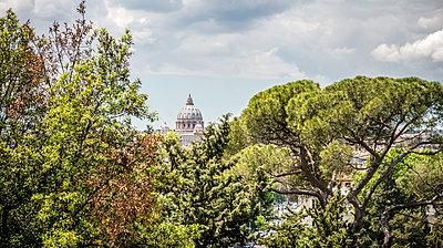 Rome, St. Peter's Basilica - p1275m2100033 by cgimanufaktur