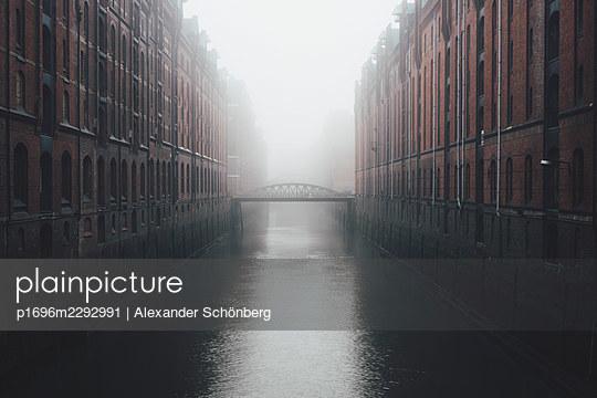 Speicherstadt - p1696m2292991 by Alexander Schönberg