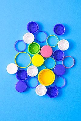 Plastic waste - p1149m2122030 by Yvonne Röder