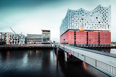 Hamburg - p416m1498064 von Jörg Dickmann Photography