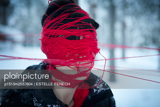 Blinded by red thread - p1513m2037604 by ESTELLE FENECH