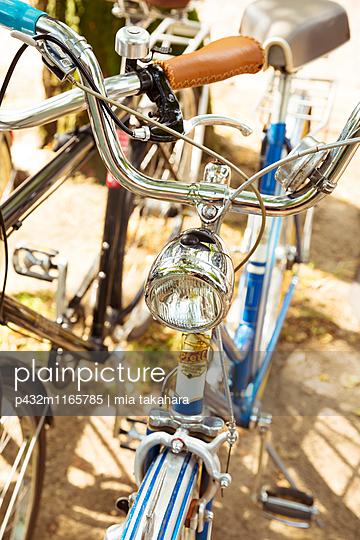 Alte Fahrräder - p432m1165785 von mia takahara