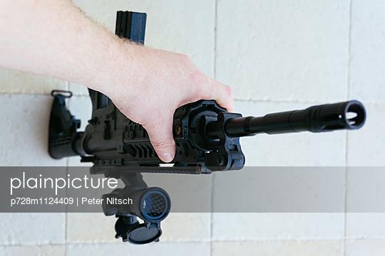 Maschinengewehr - p728m1124409 von Peter Nitsch
