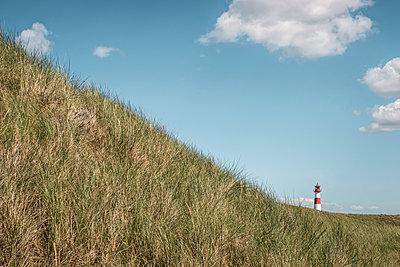 Leuchtturm am Lister Ellenbogen auf der Insel Sylt - p1162m1502426 von Ralf Wilken