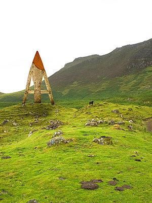 Triangle - p979m1035156 by Matthias Jung