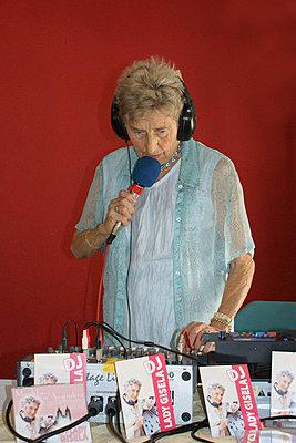 DJ Lady Gisela - p1620051 von Beate Bussenius