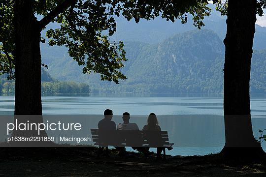 Deutschland, Idylle am Walchensee - p1638m2291859 von Macingosh