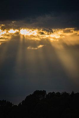 Sunbeams through the clouds - p1418m1572491 by Jan Håkan Dahlström
