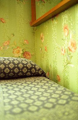 Hotelzimmer Detail - p4140213 von Volker Renner