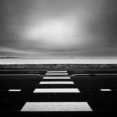 p1137m1487311 by Yann Grancher