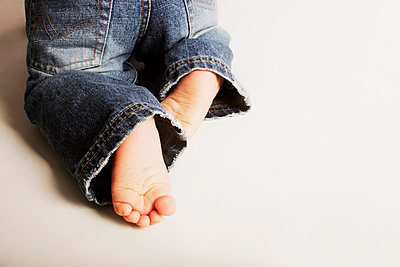 Toddler's crawling - p4422384f by Design Pics