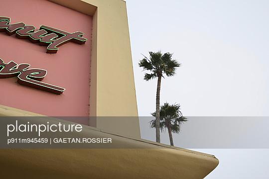 Casino - p911m945459 by Gaëtan Rossier